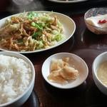 中華料理 虎哲 - 蓮白肉絲 (キャベツと豚肉の細切り炒め)