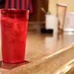 ミ・カシータ - 真っ赤なグラスが格好いい!