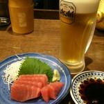 えいちゃん - まぐろの刺身とビール
