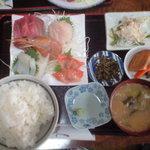 居酒屋 まきちゃん - 料理写真:刺身定食 850円