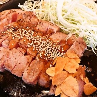 低温調理でじっくり仕上げた柔らか豚肉