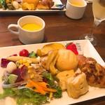 74157061 - サラダ パン スープ フライドポテト食べ放題
