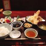仁松庵 - 料理写真:仁松庵 特別定食 税込@1,940円 とても豪勢な定食で、一品一品のクオリティも加味すれば2,000円以下はとてもお安いです。