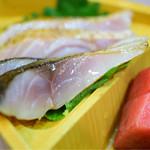 魚谷 - 刺身盛合@1,500円 の 炙り〆鯖
