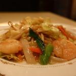 京華飯店 - 海老野菜炒めアップ
