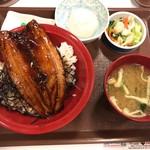すき家 - さんま蒲焼き丼 580円+おしんこセット 120円(税込)