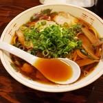 とくら - 料理写真:中華そば550円