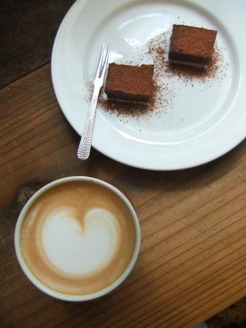 ねじまき雲(陽) - カフェラテと生チョコをいただきました♡