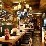 イタリア肉酒場QUINCI - スタイリッシュなオシャレ空間