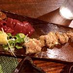 南風 - 料理写真:肝刺し&ニンニク生つくね