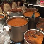 つくば 樓外樓 - 担々麺スープ大量仕込中