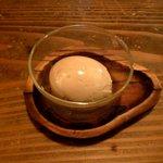 7418912 - 煮玉子(100円)