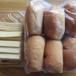 シロヤベーカリー - クーヘン(5個入り) 200円とサニーパン1個 90円×6個
