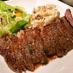 Zizz - 牛肩ロースのステーキ