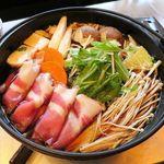 町屋個室×肉バル ジビエズマーケット - 猪は高栄養で低カロリー、脂にはコラーゲンがたっぷりなんやて~(*´▽`*)