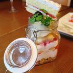 町屋個室×肉バル ジビエズマーケット - 本日の瓶詰めミニパルフェ 780円