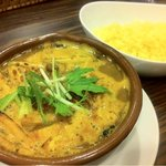 ホフナー - きざみきつねと豆のスープカレー