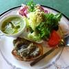 アロマテラス - 料理写真:前菜・きゅうりのガスパチョ・サラダ・茄子のブルスケッタ
