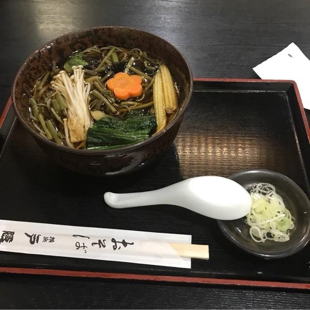 戸隠 本店 - 山菜そば。 税込830円。 美味し。