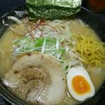 さっぽろ麺屋 文太郎 - 味噌ラーメン+もやし 麺をひっぱりだし