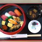がんこ寿司 - すし定食 上 とろ入り(味噌汁) 1550円(税込)