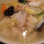 上海縁 - 五目野菜刀削麺
