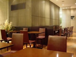 虎屋菓寮 横浜そごう店 - いま、午前十一時半