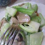 普天河 - 青梗菜と白茸の炒め
