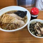 琴壱 - 料理写真:中華そば680円+海女さん飯120円