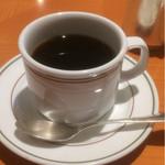 74201549 - 特筆すべきことないコーヒー。                       カラトリーはホテルクォリティー。