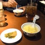 陳麻婆豆腐 - ザーサイとスープ