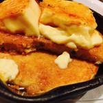 バター&デリーモ カフェ ダイニング - パンケーキは2枚