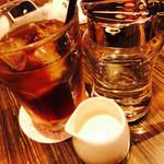 バター&デリーモ カフェ ダイニング - アイスミルクティー