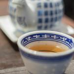新広東菜 嘉禅 - 烏龍茶(うりようちや)