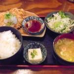 ふくの鳥 大泉学園店 - ひな鶏の唐揚げ定食