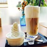 石岡カフェ - 《アイスカフェラテ》450円