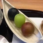 柚木元 - 葡萄3種 一番手前好き