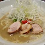 麺や いま村 - 鶏煮干し らぁめん(醤油) 鶏チャーシュ アップ