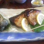 鯛納屋 - 焼き魚(アップ)(2017.9)