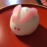 さかえ屋 - 料理写真:お月見時期に購入したうさぎ饅頭。