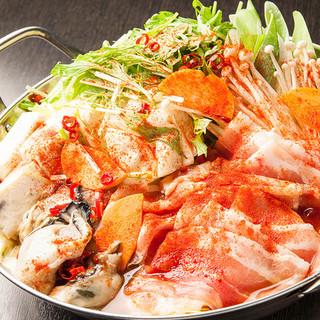 人気の温かお鍋!牡蠣と豚肉のにんにく醤油鍋など登場!