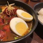 CoCo壱番屋 - タンドリー風チキンと野菜のカレー ゆでタマゴ イン アップ