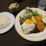 クアトロ - ランチEセット(ハンバーグ+ホタテ貝柱フライ) 1,000円