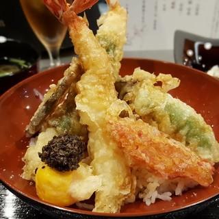 旨い天ぷらは素材選びから!地元・大阪産の厳選食材が集う