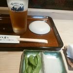 74248301 - ビールとお通し枝豆