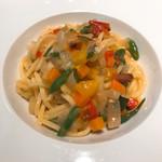 ビス トリス - タリオリーニ いろいろ野菜と豚ほほベーコン
