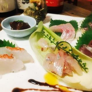 ◼︎地物の新鮮な魚を刺身やカルパッチョなどお好きな食べ方で