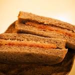 つるやパン - サンドウィッチ ハムカツチョコ(魚肉ハムカツ&ソース&黒胡椒)