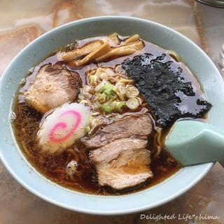 みどりや食堂 - 料理写真:ラーメン(570円税込)