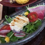 源氏総本店 - 生湯葉サラダです。